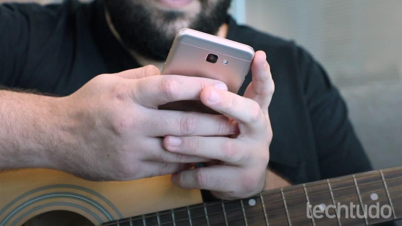 Kuidas õppida videotundidega muusikat Cifra Clubi rakenduses