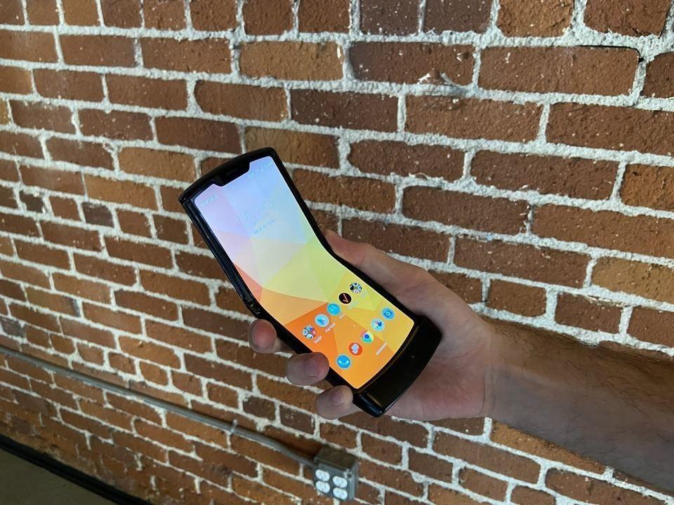 Motorola Razr 2019: teate kõike mobiiltelefonide kohta, mis päästavad Motorola V3