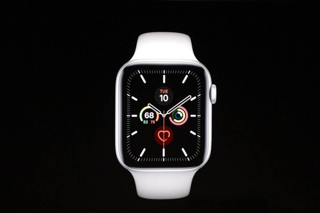 Ohutus on lisaks hädaabikõnesüsteemile ka Apple Watch 5 plusspunkt, näiteks kukkumissüsteem, ja tervis