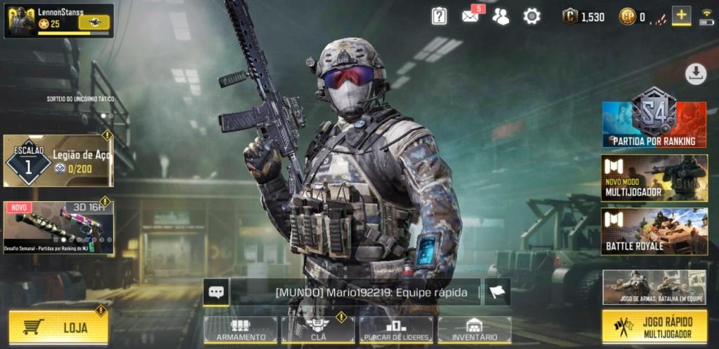 Peamenüüs Call of Duty Mobile, kus näete mängurežiime, skaalataset, mängijataset ja kohandamisalasid