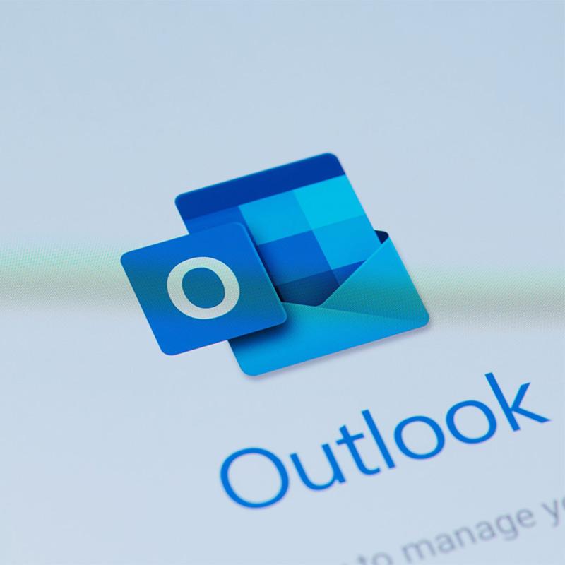 Kuidas blokeerida e-kirju Outlookis? [Guia completo]