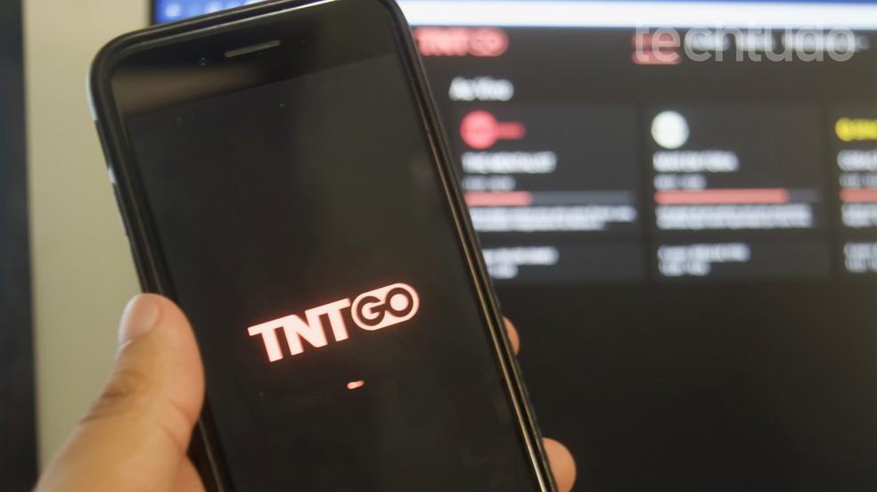 Õpetus näitab, kuidas TNT Go teenuse kaudu vaadata Kuldgloobust 2020. Foto: Marvin Costa / TechTudo
