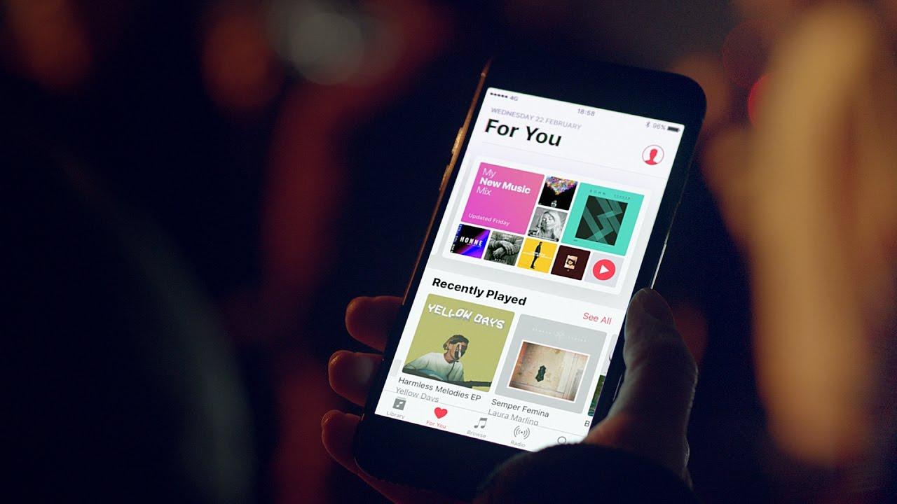 Apple edastas BRIT Awards ajal kahte Apple Musicu reklaamit