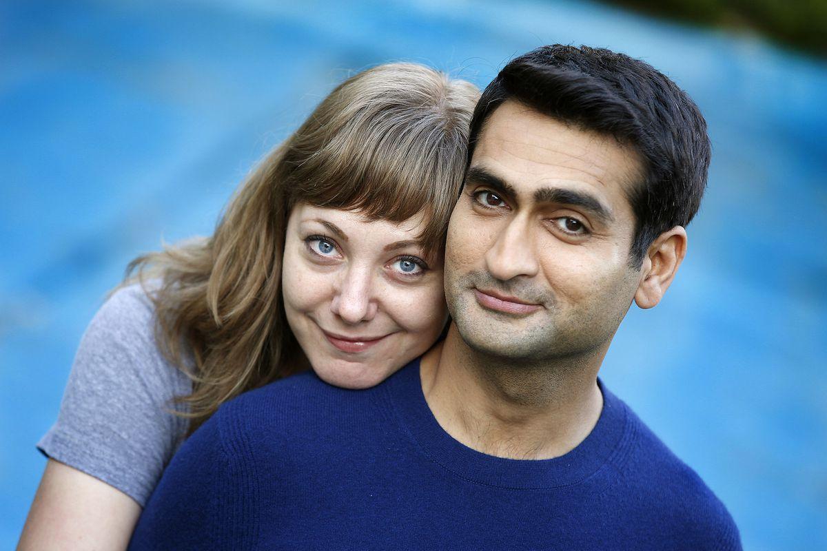 Kumail Nanjiani dan Emily V. Gordon, dari seri Apple asli