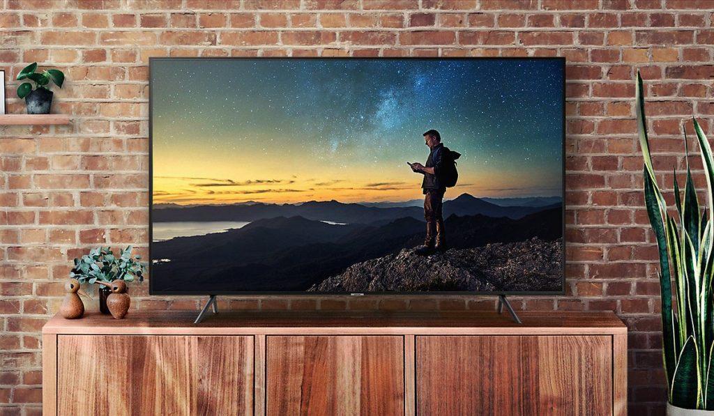 Smart TV on seatud mitteametliku ja maaelu atmosfääri ette