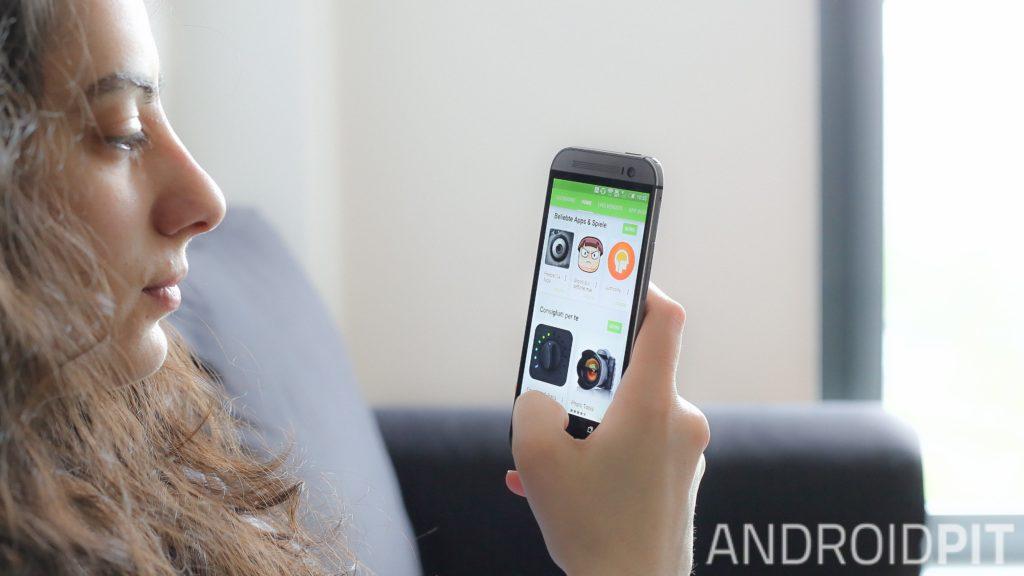 Kuidas Android-nutitelefoni kaudu rakendusi alla laadida