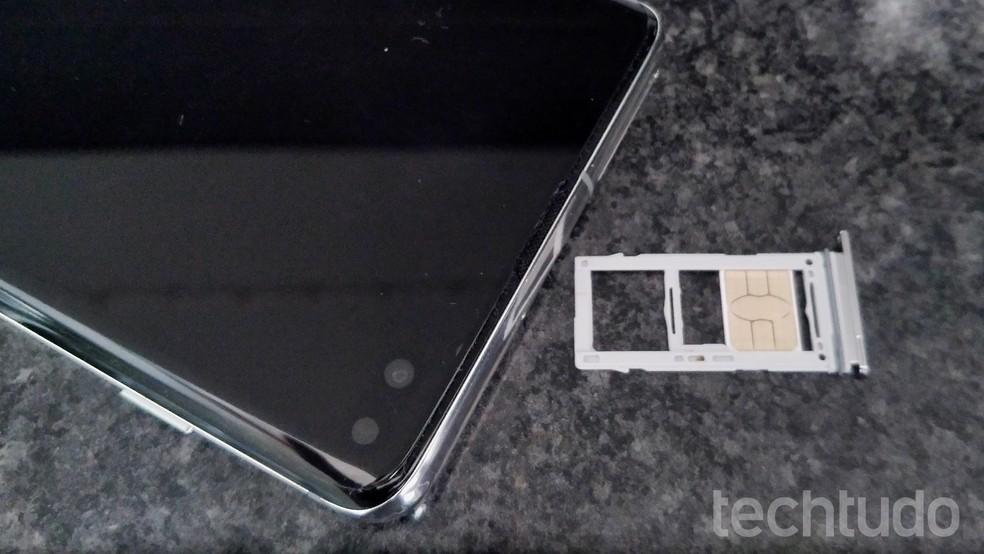 PIN ja PUK on turvakoodid, mis on kaasas mobiilse kiibiga Foto: Caroline Parreiras / TechTudo
