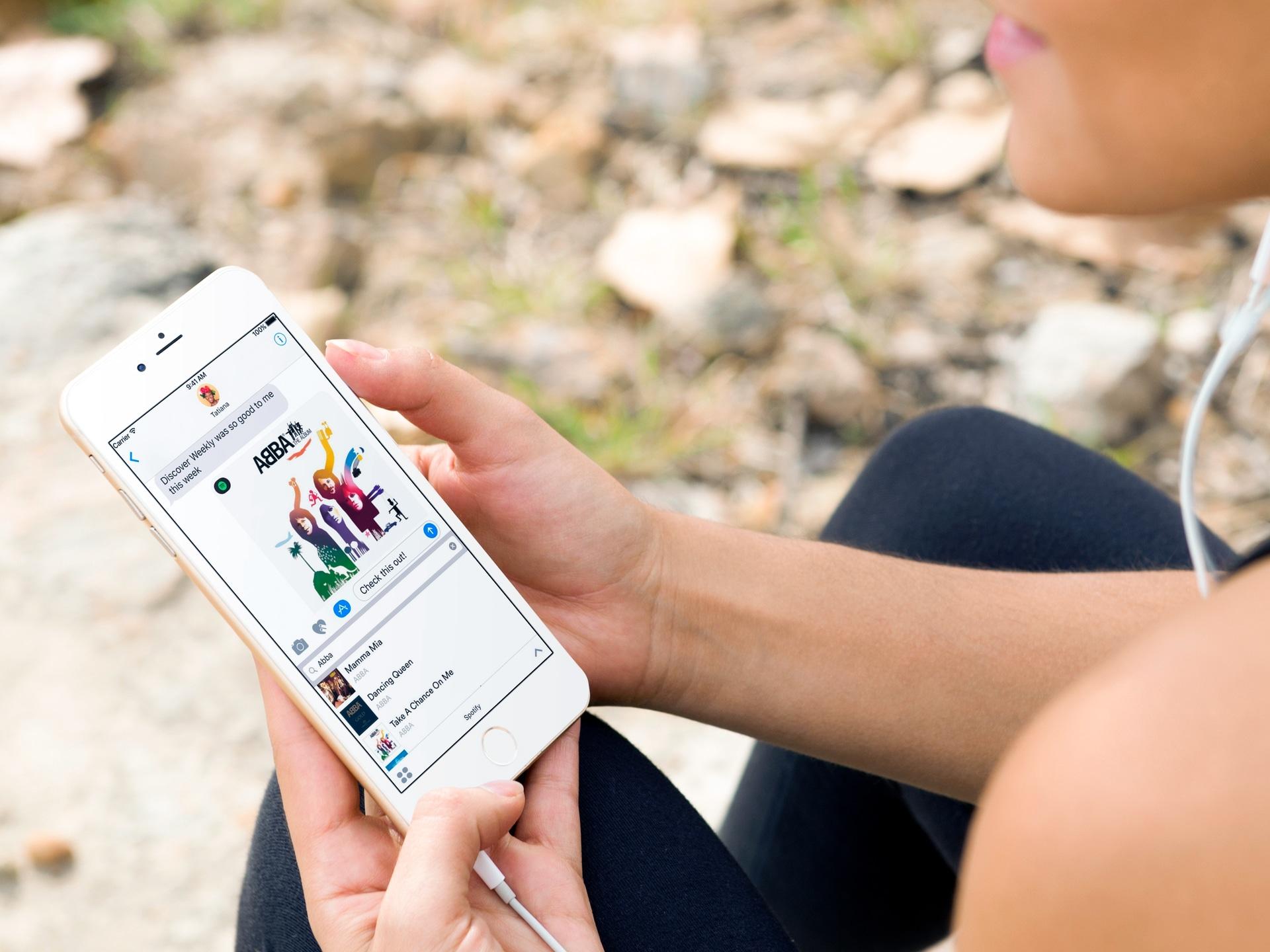 Samuti on iOS-iga integreeritud iOS-i rakendus Spotify