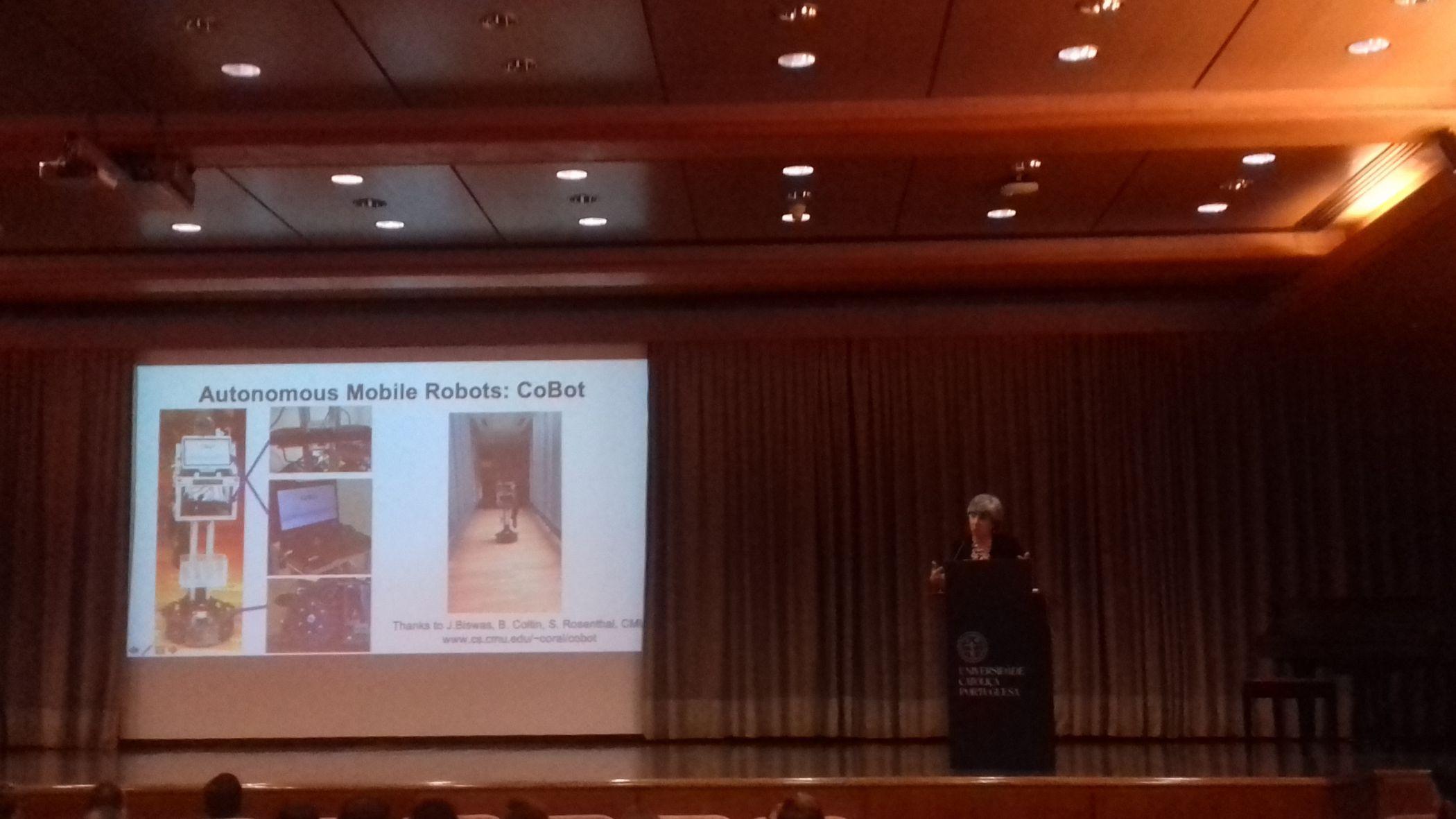 CoBots on iseseisev navigatsiooniteenuse robot, mis on välja töötatud ja mida kasutatakse Carnegie Melloni ülikoolis.