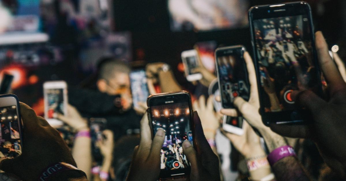 Vaadake, kuidas laulusõnu Instagrami lugudesse üles panna