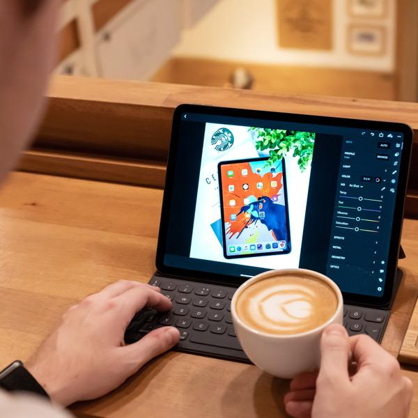 Fotor - muutke fotosid ja looge pilte oma sotsiaalmeedia jaoks!
