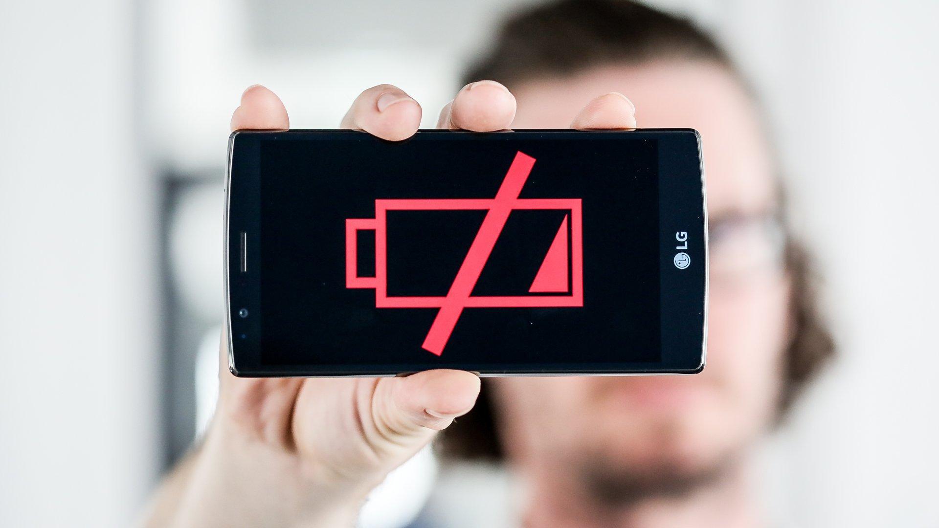 Kuidas teada saada, kas teie telefoni aku on ühendatud või probleem
