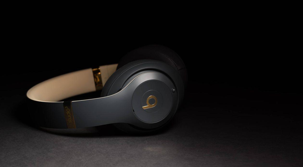 Lisaks uutele AirPodidele võiks Apple tänavu turule tuua kaubamärgiga alakomplektiga kõrvaklapid